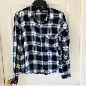 Forever 21 soft blue & white flannel size small